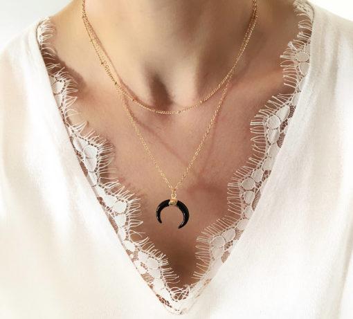 collier corne noir plaque or
