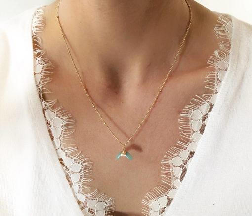 collier corne plaque or pierre turquoise