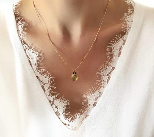 collier createur medaille swarovki noir