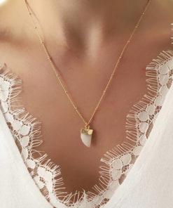 collier fait main pierre blanche