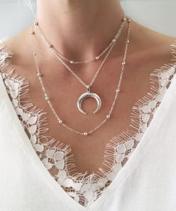 collier multirangs corne lune
