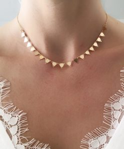 collier ras de cou triangle