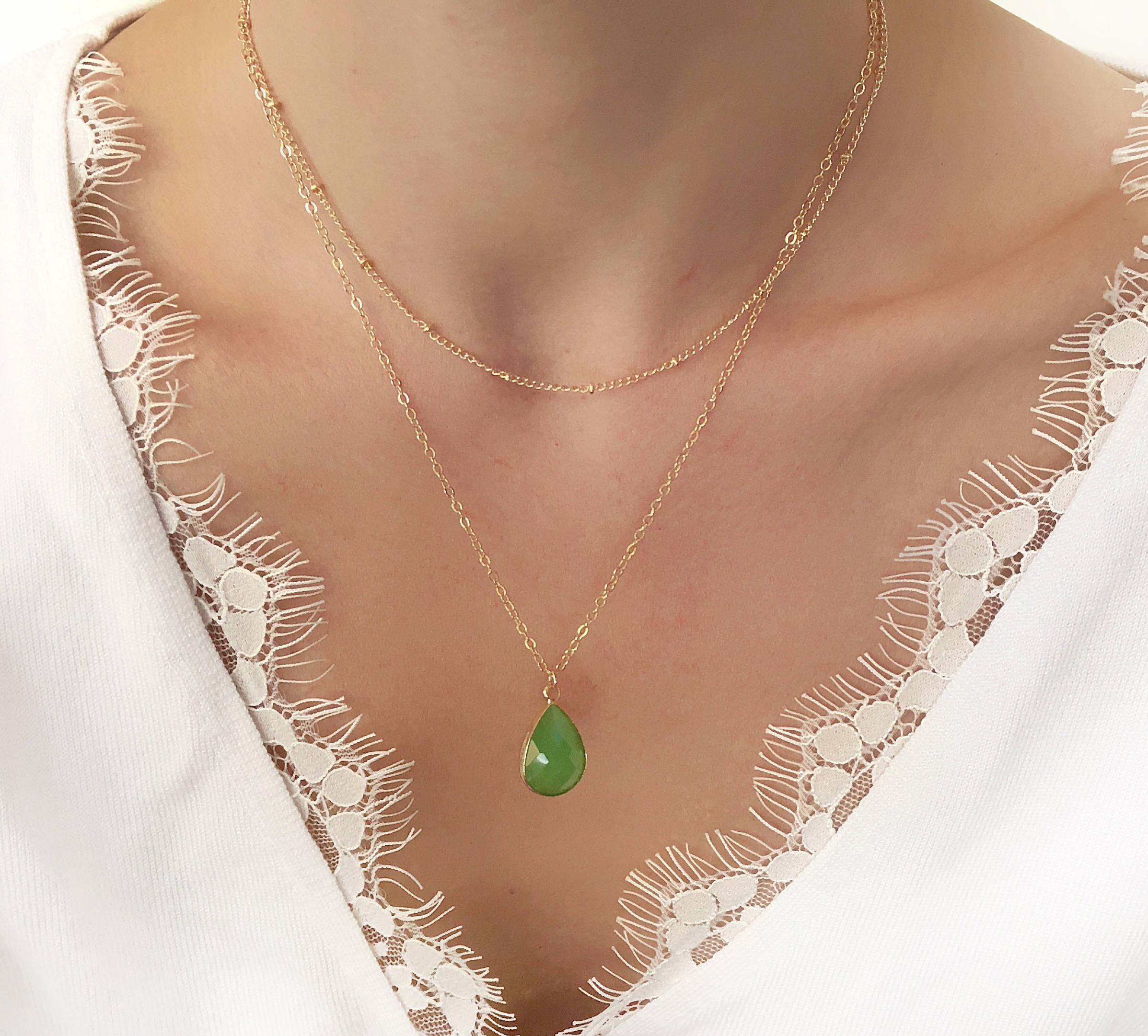 collier argent avec pierre verte