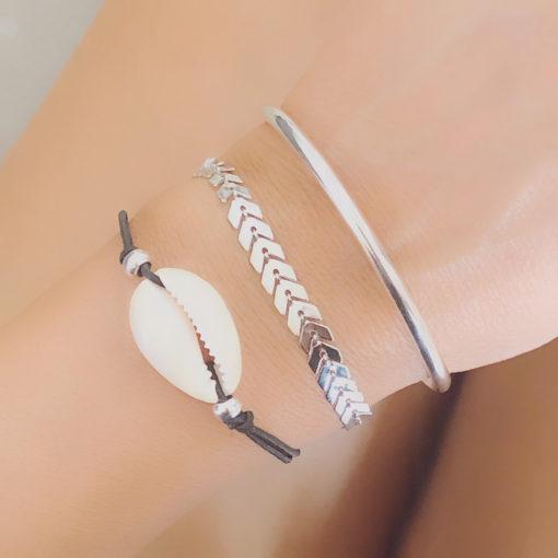 Composition de bracelets coquillage argent
