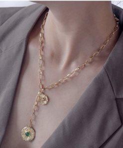 Collier tendance 2020 medaille verte femme