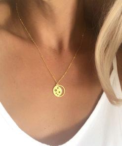 Collier cadeau femme- medaille doree