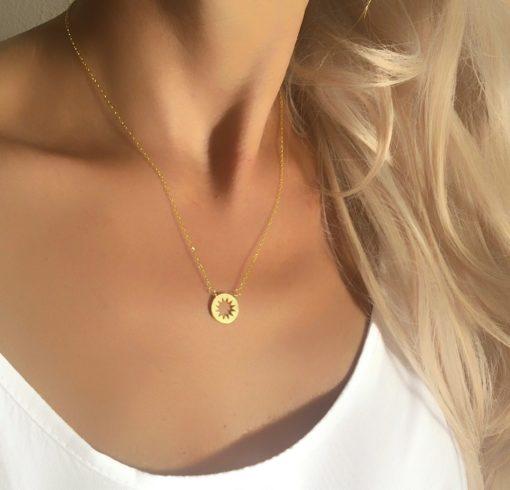 collier fin dore